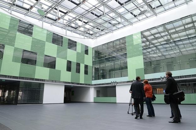 Az új Klinika Szegeden, ahol cégünk az ajtók beszerelését teljesített sikeresen.