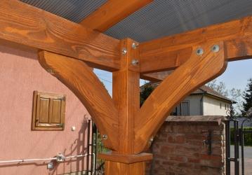 Fa autóbeálló szabad garázs igazi fa polikarbonát tető oszlop hajlított gerenda egyedi