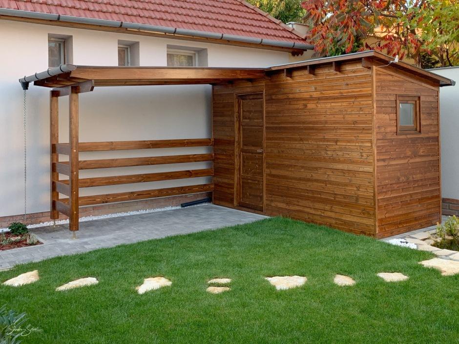 Kis kerti faház a különféle kerti szerszámok és kerékpárok igényes tárolására. A faanyag kezelése alap színezéssel majd viasz felületkezeléssel történt. Zsindely tetőfedés. Antracit színű alumínium lemezelés (csatorna,Szegély lemez). Belül natúr lambéria.